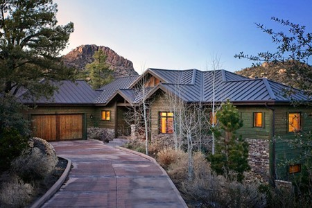 Comfortable Prescott Mountain Home With Craftsman Style